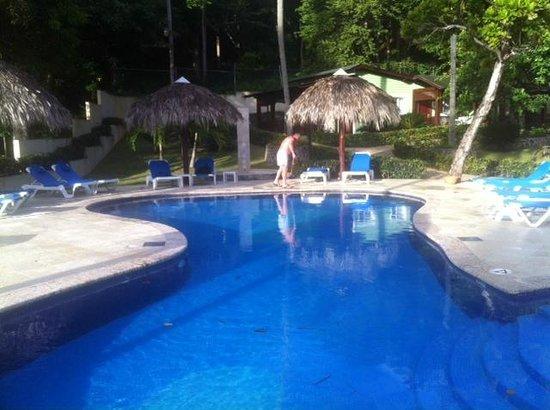 Grand Bahia Principe Cayacoa: More Pool side cleaning duties.