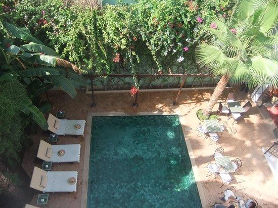 Riad Chergui: vue sue piscine