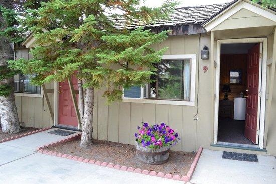 Alpine Motel: Vue extérieure chambre