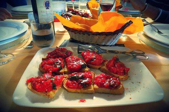 Soggiorno Taverna Celsa: Fresh pomodoros