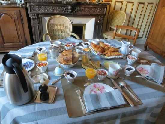 Un Ciel a Paris: Wonderful Breakfast!