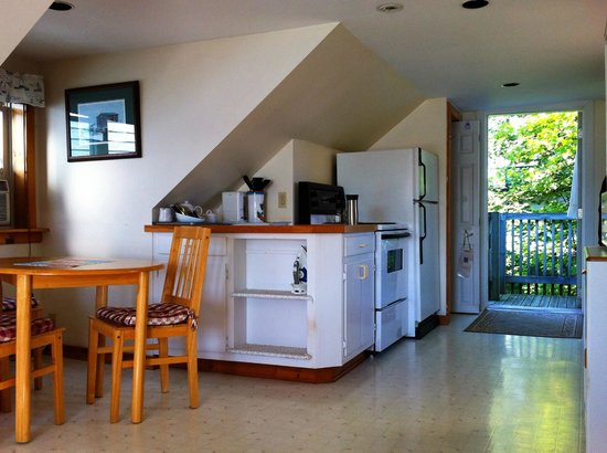 Water's Edge Inn: Kitchen Area of Studio Apartment at The Water's Edges Inn, Baddeck, Cape Breton, Nova Scotia