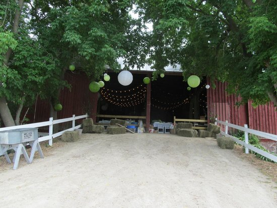 Willow Pond Bed, Breakfast and Events: Back doors of barn/ reception area