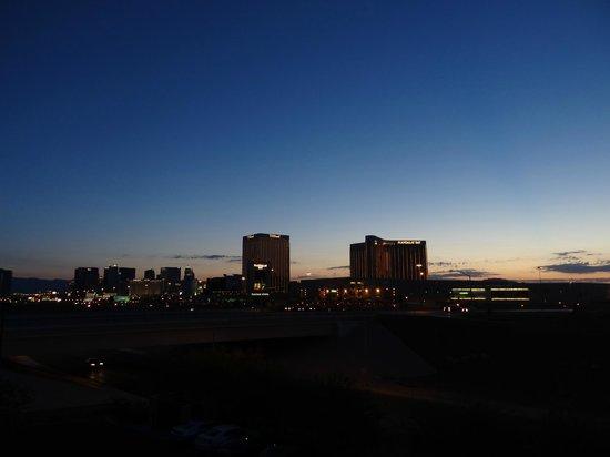 Staybridge Suites Las Vegas : Vue lointaine sur le strip