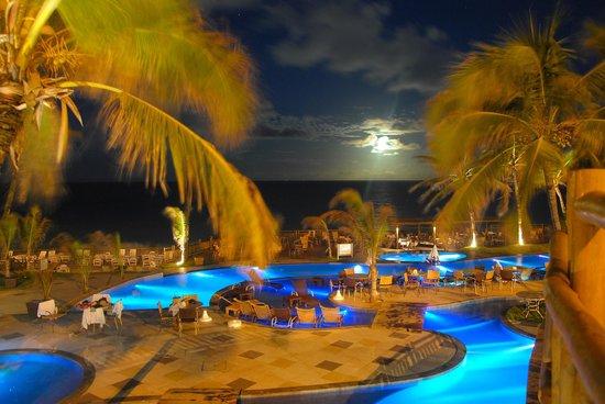 Ocean Palace Beach Resort Bungalows Piscinas Com Iluminação Noturna