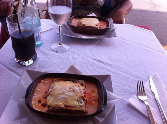 La Mattina : delicious home made lasagna!