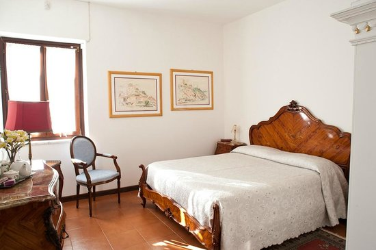 Le Mela Bed and Breakfast: Camera matrimoniale