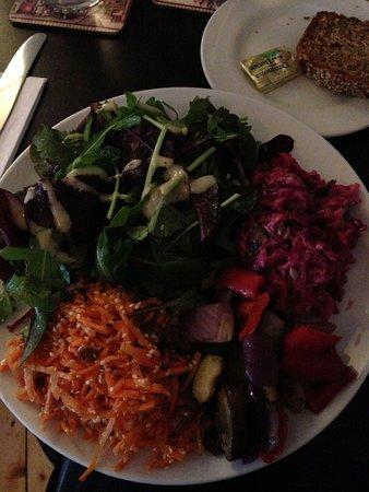 Cafe Mocha: Tasty salads!