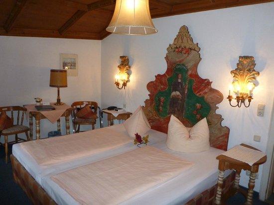 Alpenrose Traditionsgasthof: Nice room at Hotel Alpenrose
