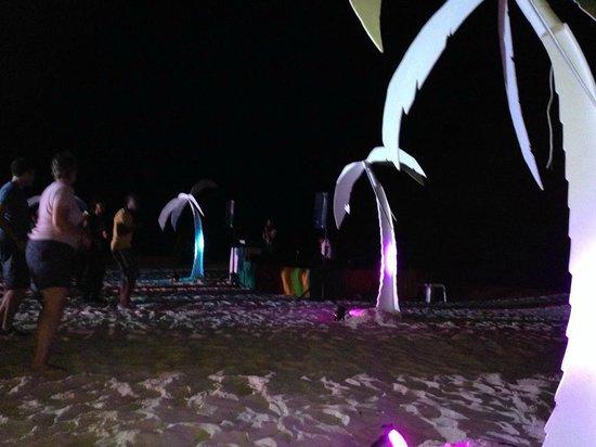 Iberostar Rose Hall Suites : Beach Party