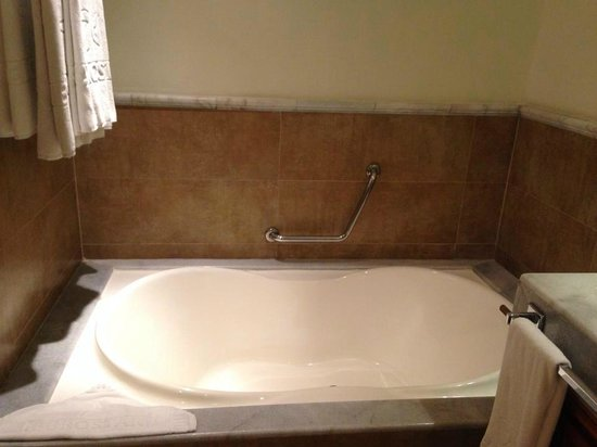 Iberostar Rose Hall Suites : Bath Tub