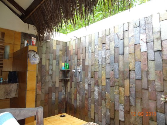 Filitheyo Island Resort: Offene Dusche