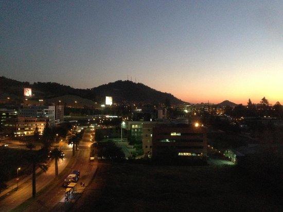 Radisson Ciudad Empresarial Santiago: Anoitecer