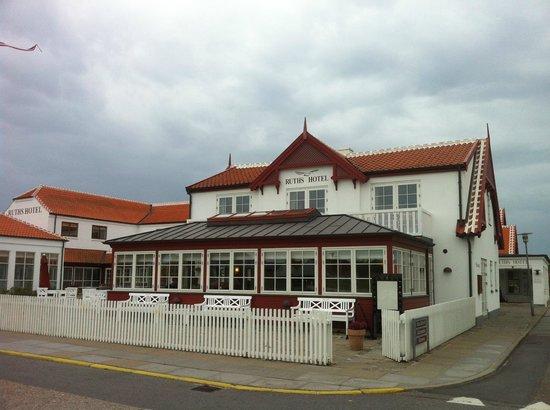 Ruths Hotel : Vores to balkoner og spisesal set udefra
