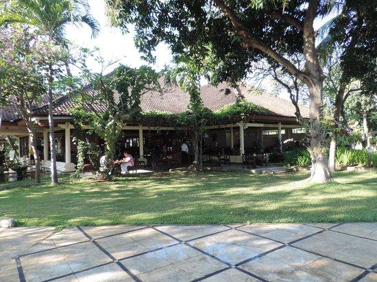 Sunari Beach Resort: breakfast area