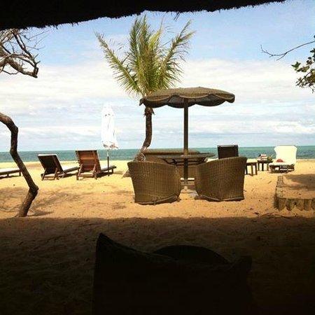 Pousada Bahia Bonita: Pé na areia!!