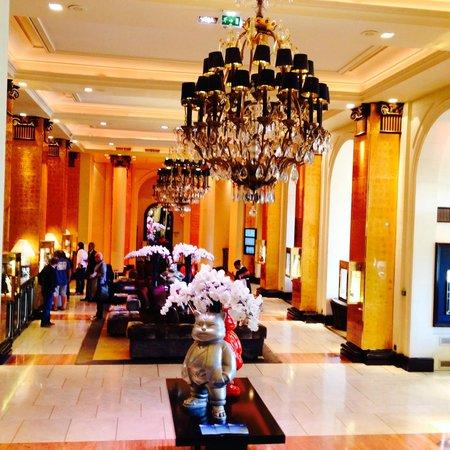 Hôtel Barrière Le Majestic Cannes : la reception