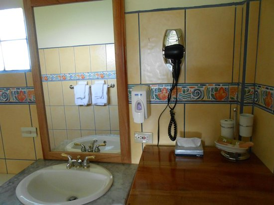 Banana Bay Marina: Bathroom