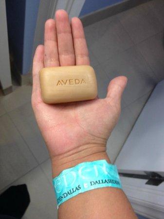 Hotel Indigo Dallas Downtown: Name brand soap!