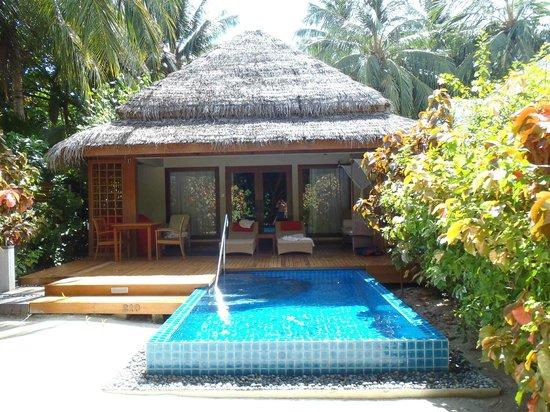 Baros Maldives: Porche de Baros Pool Villa 210