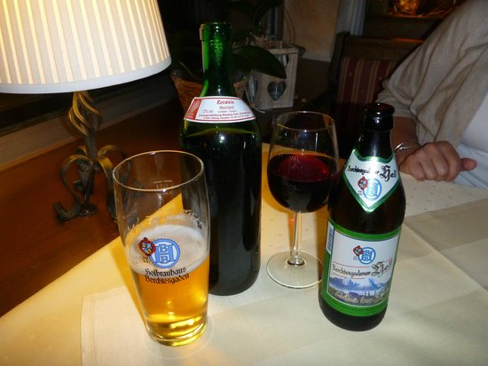 Hotel Bavaria: Drinks at night in the dinning room