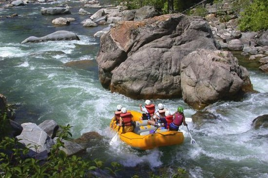 Big Sky, MT: Summer whitewater rafting at Yellowstone