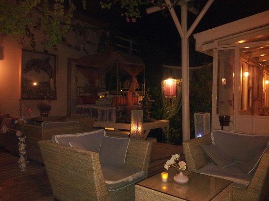 Oyster Restaurant: lovely grounds