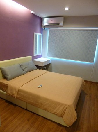 Malacca Hotel Apartment: Double bed room