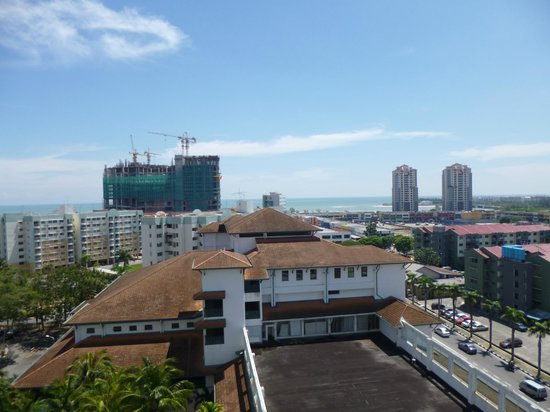 Malacca Hotel Apartment: View from bedrooms and Balcony