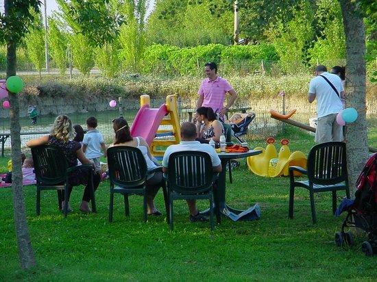 Agriturismo Le Gazze: festa giardino