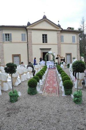 Hotel Villa San Donnino: Scorcio sagrato