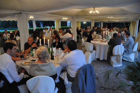 Hotel Villa San Donnino: Tensostruttura per ricevimenti all'aperto