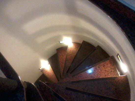 Mozaika Guesthouse: Escadas de acesso... - Mozaika 2
