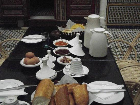 Dar Iman: breakfast