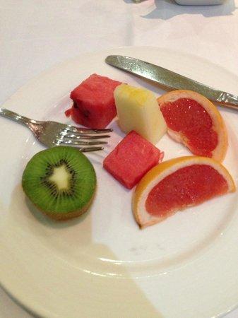 Silken Al-Andalus Palace Hotel : frutas variadas no café da manhã