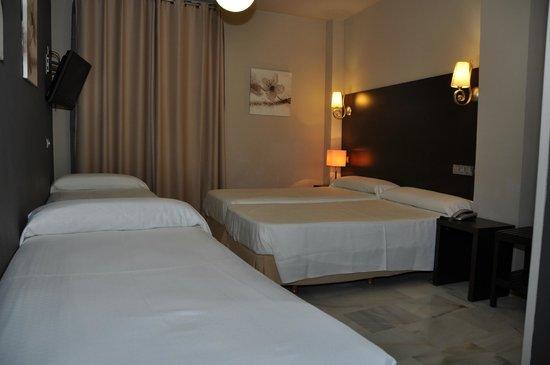 Hotel Doña Carmela: Habitación cuadruple
