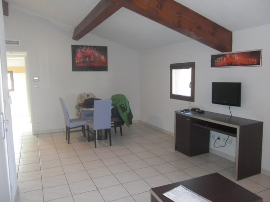 Adonis Carcassonne - Residence la Barbacane: Habitación aparthotel