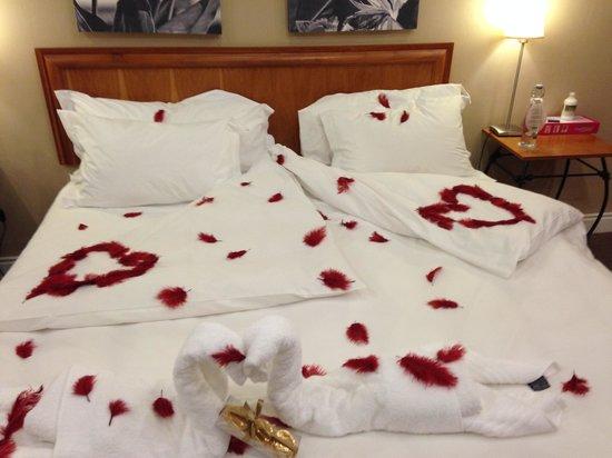 Protea Hotel by Marriott Stellenbosch: Honey moon Suite