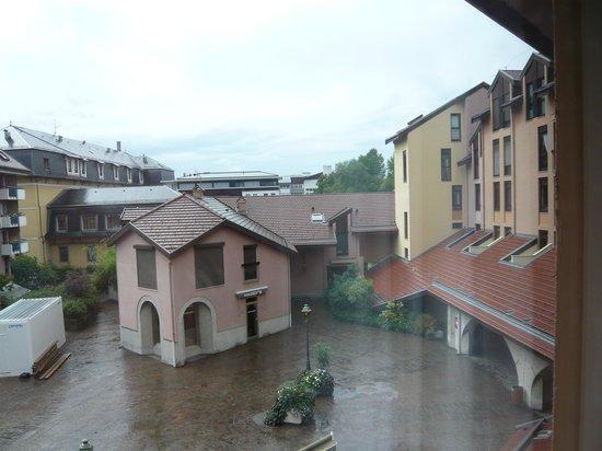 Ibis Annecy Centre Vieille Ville : view