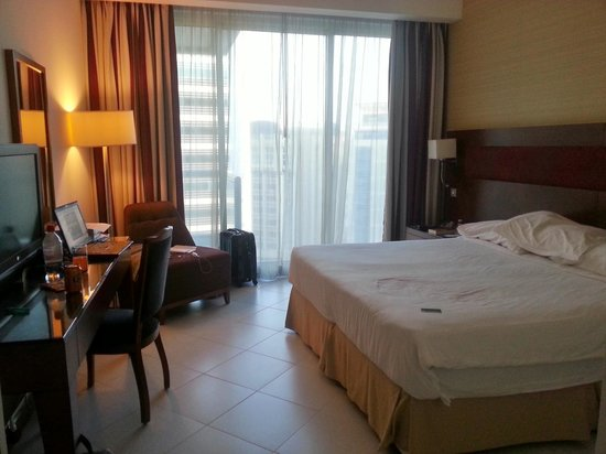 Flora Creek Deluxe Hotel Apartments: Bedroom