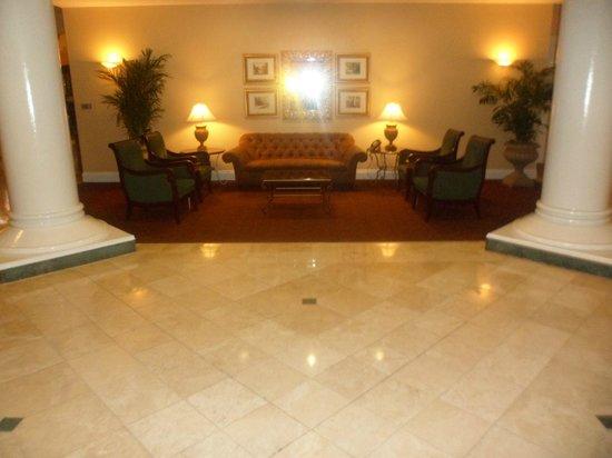 Rosen Plaza Hotel: hotel entrance