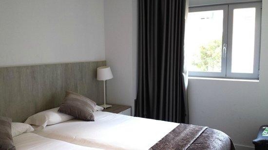 Sensation Sagrada Familia: Master Bedroom