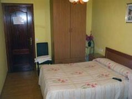 Pension Madrid 21: cama grande