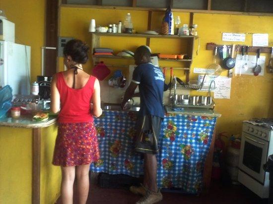 Coconut Hostel: Cocinando