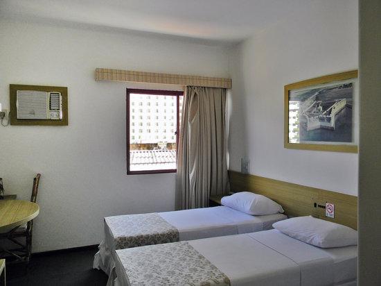quarto standard com 02 camas solteiro Picture of Hotel  ~ Quarto Solteiro Hotel