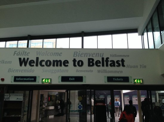 Official World Famous Belfast Black Taxi Tour: Belfast Central Train Station - 2hr train ride from Dublin