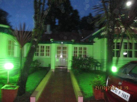 Hotel Mayura Sudarshan Ooty: Frontal view