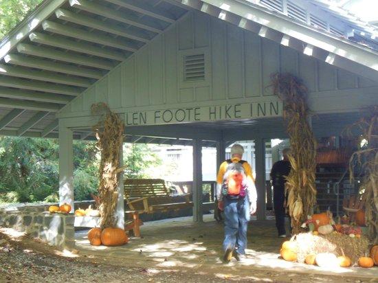 Len Foote Hike Inn: Ariving at The Hike Inn