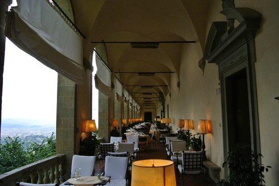 วิลลาซานมิเคเล บาย โอเรียนท์-เอ็กซ์เพรส: indoor outdoor dinning room