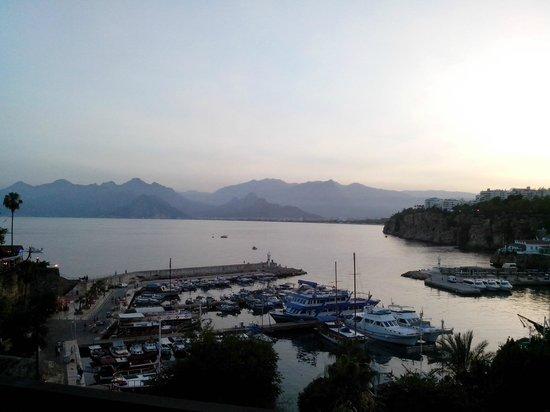 Puding Marina Residence : Вид из Kale bar'a